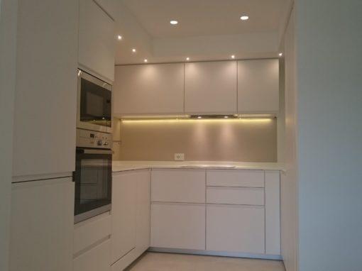 MINI-APPARTAMENTO | Cucina laccato bianco